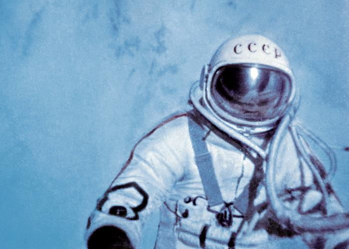 worlds-first-SpaceWalk.png.3cce17721e3add7143e5b8c4db4fc5f1.png